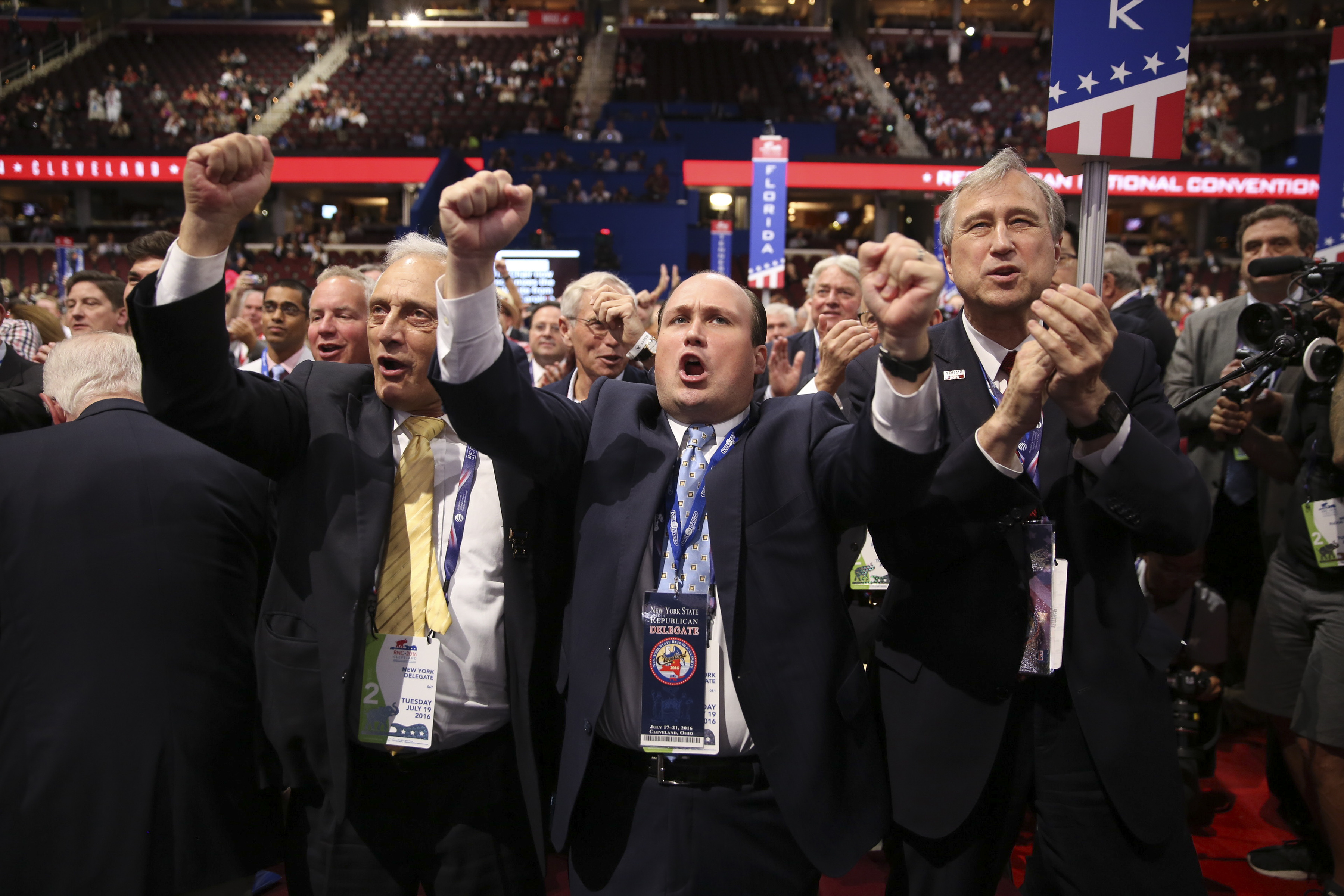 GOP leaders, conservatives at convention in talks over rules