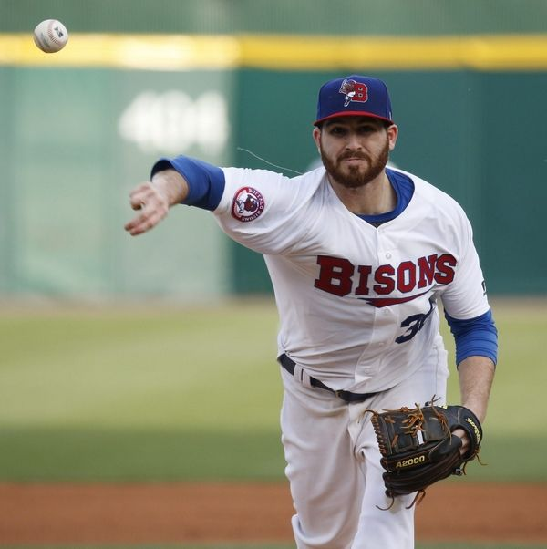 Lucroy tweets he has been traded to Rangers
