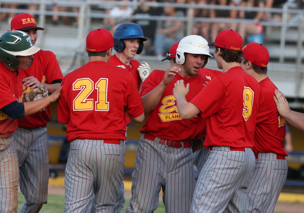Iroquois, Williamsville East end sectional baseball droughts