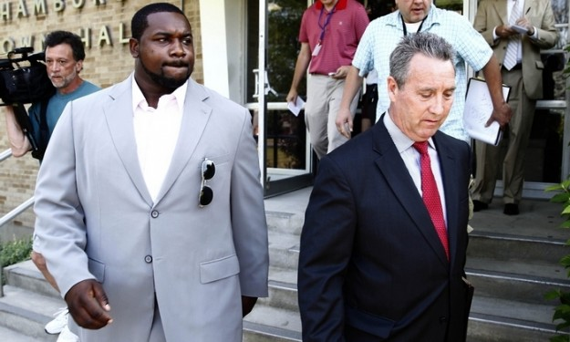 Dareus declines plea in Hamburg incident