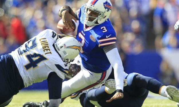 Up-tempo Chargers knock Bills out of sync