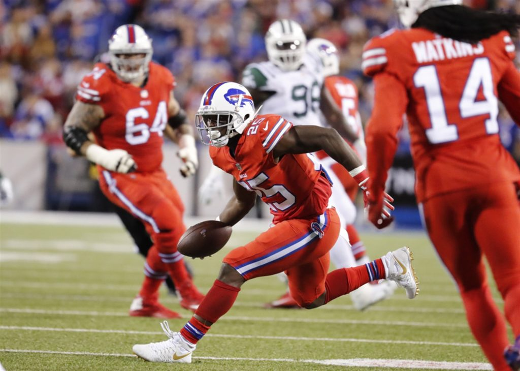 Bills RB McCoy sued by Philly police officer