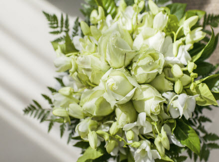 Saving Money On Your Wedding Flowers!