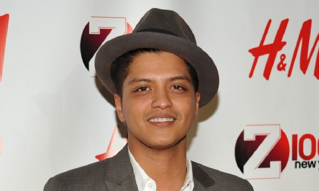 A critic answers his critics on Bruno Mars review