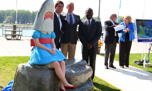 Cincinnati artist impressed by success of 'Shark Girl'