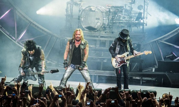 A curtain call for Motley Crue